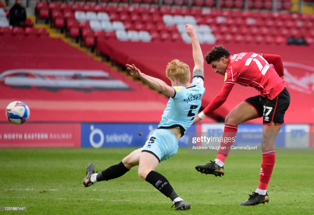 Lincoln City v Rochdale - Sky Bet League One : ニュース写真