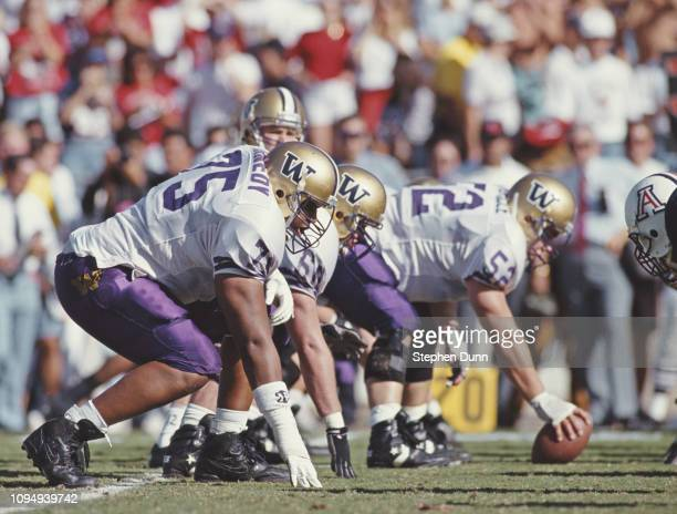 Lincoln Kennedy, Offensive Lineman for the University of Washington Huskies prepares for the snap during the NCAA Pac-10 Conference college football...