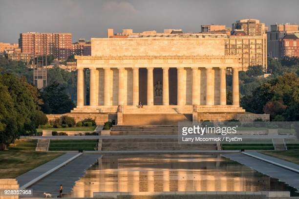 lincoln memorial against sky in city - lincoln memorial stock pictures, royalty-free photos & images