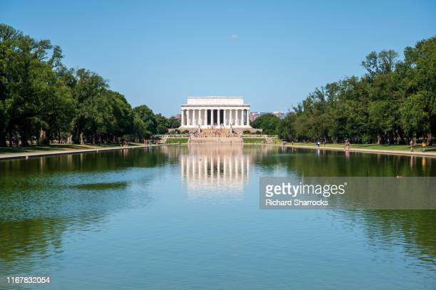 lincoln memorial and reflecting pool, washington dc - lincoln memorial stock pictures, royalty-free photos & images