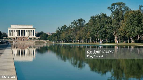 lincoln memorial and reflecting pool, washington dc, usa - reflecting pool stock pictures, royalty-free photos & images