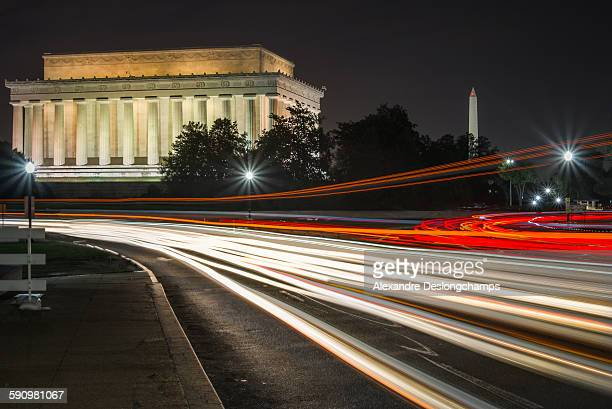 Lincoln memorial and Washington monument at night