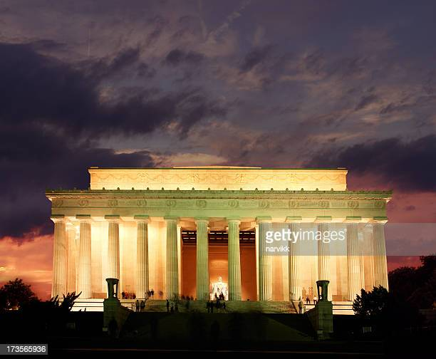 lincoln memorial by sunset, washington d.c. - lincoln memorial stock pictures, royalty-free photos & images