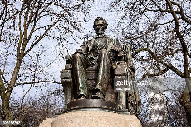 lincoln memorial in grant park, chicago - cook county illinois stock photos and pictures