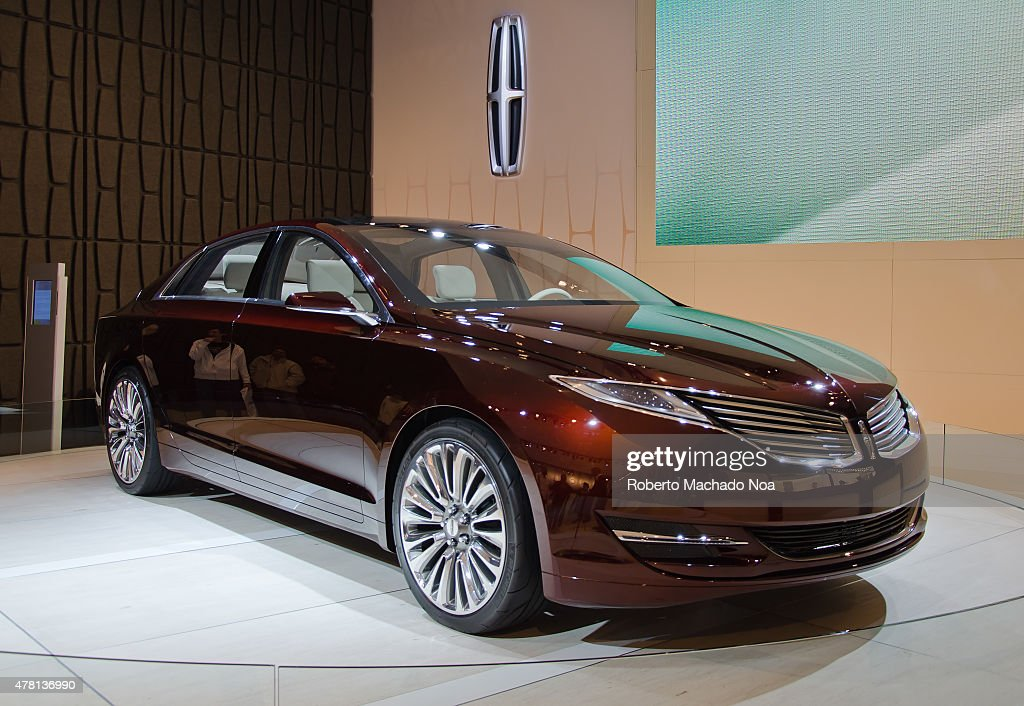 https://media.gettyimages.com/photos/lincoln-mkz-concept-during-the-canadian-international-auto-show-in-picture-id478136990