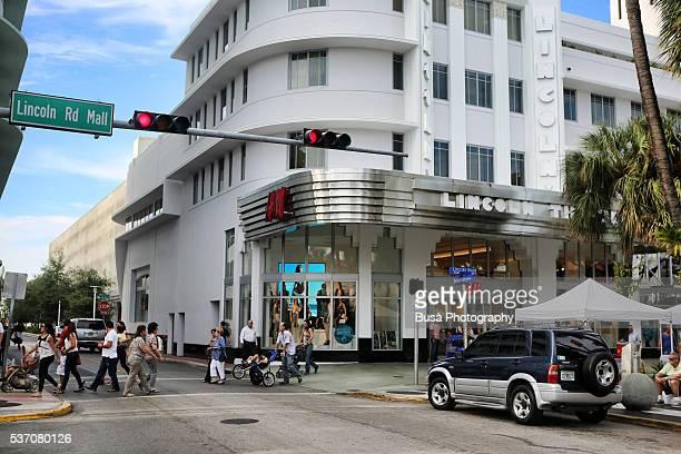 Lincoln Road Mall, the main shopping street in South Beach, Miami Beach, Florida, US