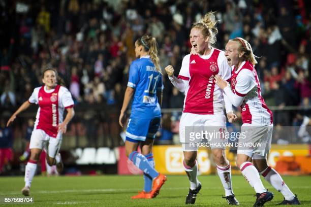 Linda Bakker of the Dutch soccer team Ajax scores during a Champions League football match against Bescia in Amsterdam on October 4 2017 / AFP PHOTO...