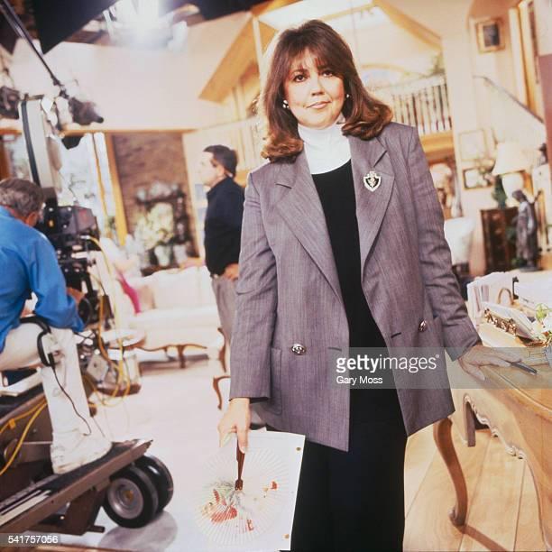 Linda Bloodworth-Thomason on the Set