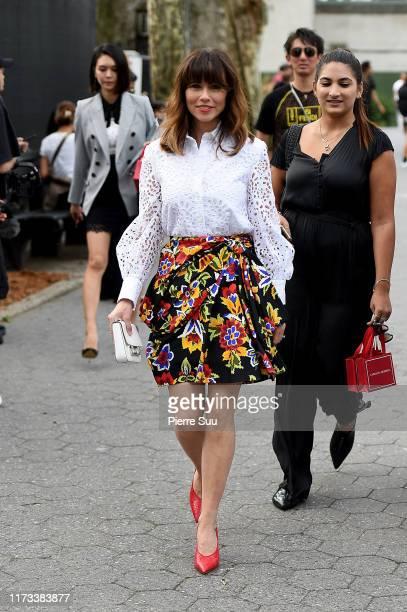Linda Cardellini arrives at the Carolina Herrera fashion show during New York Fashion Week on September 09 2019 in New York City
