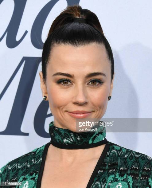 """Linda Cardellini attends Netflix's """"Dead To Me"""" Season 1 Premiere at The Broad Stage on May 02, 2019 in Santa Monica, California."""