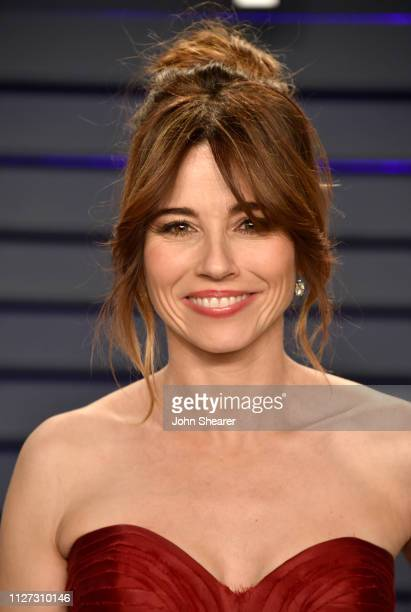 Linda Cardellini attends the 2019 Vanity Fair Oscar Party hosted by Radhika Jones at Wallis Annenberg Center for the Performing Arts on February 24,...