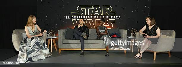 Linda Cruz actor Oscar Isaac actress Lupita Nyong'o and film producer Kathleen Kennedy speak to the fans during the 'Star Wars The Force Awakens'...