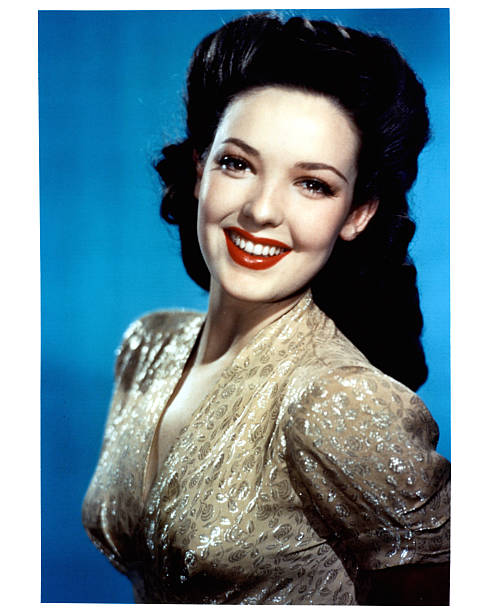 linda-darnell-in-publicity-portrait-for-