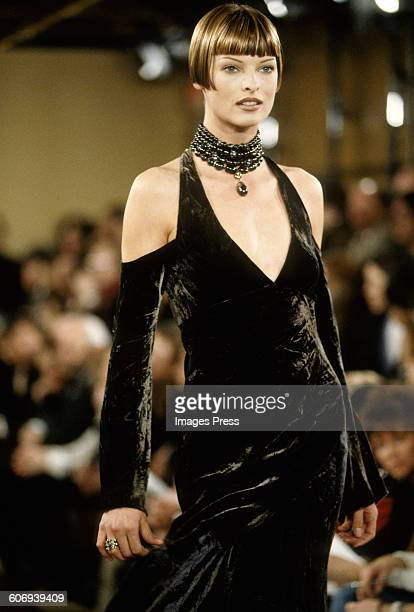 Linda Evangelista at the Donna Karan Fall 1993 show circa 1993 in New York City