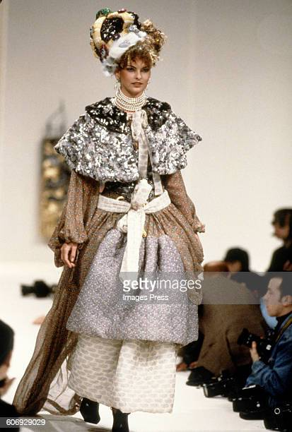 Linda Evangelista at the Vivienne Westwood Fall 1994 show circa 1994 in Paris France