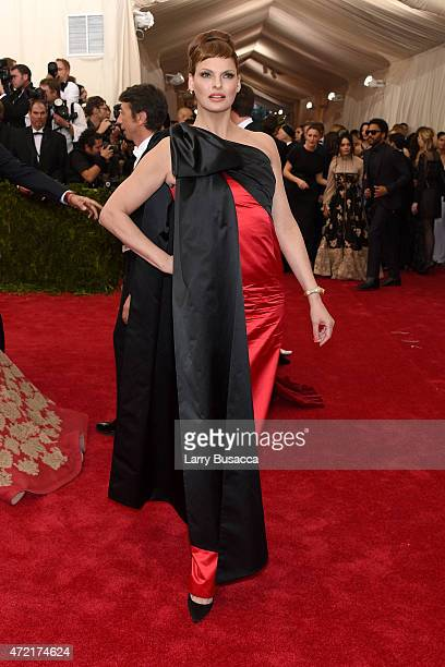 Linda Evangelista attends the 'China Through The Looking Glass' Costume Institute Benefit Gala at the Metropolitan Museum of Art on May 4 2015 in New...