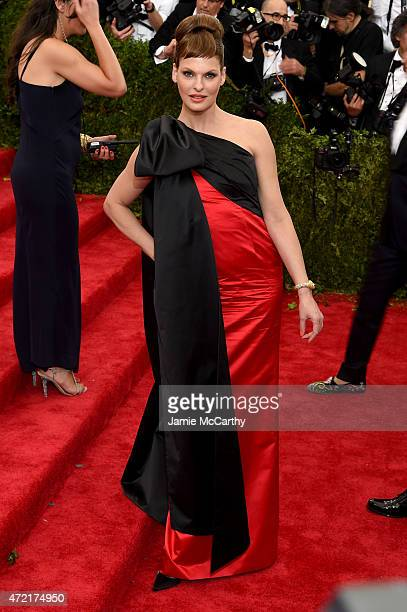 Linda Evangelista attends the China Through The Looking Glass Costume Institute Benefit Gala at the Metropolitan Museum of Art on May 4 2015 in New...