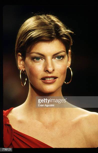 Linda Evangelista models clothing from the Ralph Lauren Spring 97 collection at the 7th on Sixth Fashion Show October 30 1996 in New York City Ralph...