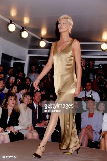 Linda Evangelista walks the runway circa 1991 at New York Fashion Week