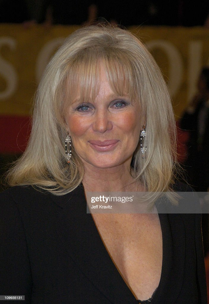 Linda Evans during The 30th Annual People's Choice Awards - Arrivals at Pasadena Civic Auditorium in Pasadena, California, United States.