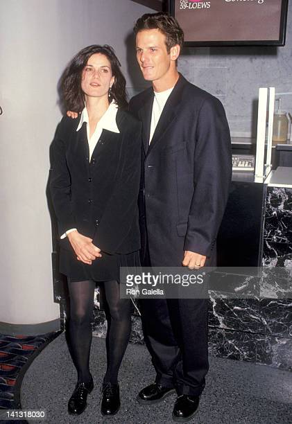 Linda Fiorentino at the Premiere of 'The Last Seduction' Sony 19th Street East New York City