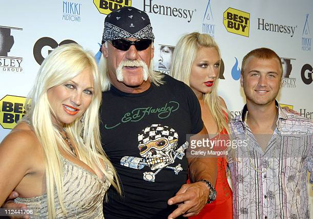 Linda Hogan, Hulk Hogan, Brook Hogan and Nick Hogan