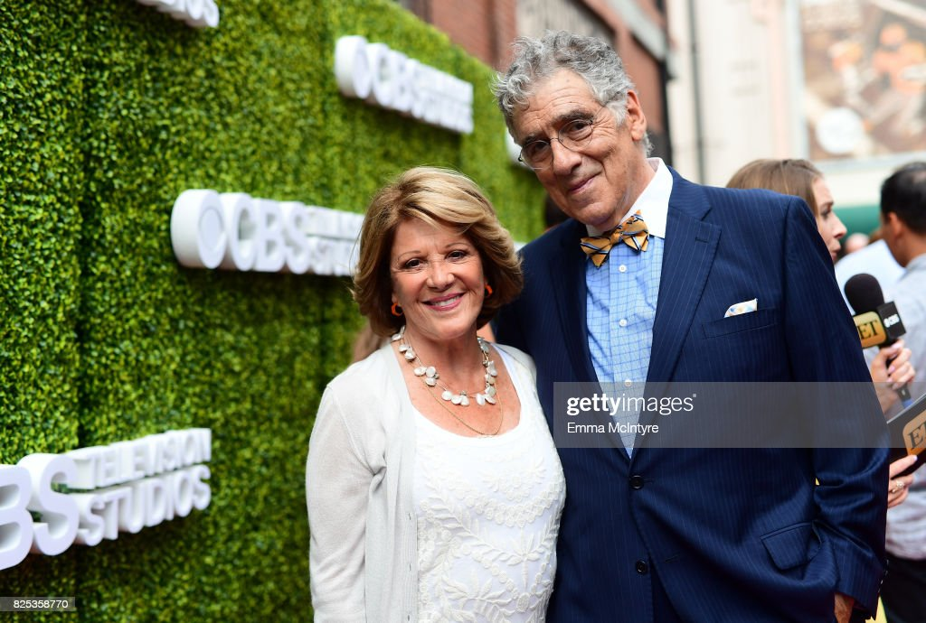 Linda Lavin (L) and Elliott Gould attend the 2017 Summer TCA Tour CBS Television Studios' Summer Soiree at CBS Studios - Radford on August 1, 2017 in Studio City, California.