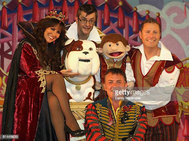 Linda Lusardi Joe Pasquale Shane Richie and Paul Zerdin attends photocall to launch Pantomime season at Lyric Theatre on October 5 2009 in London...