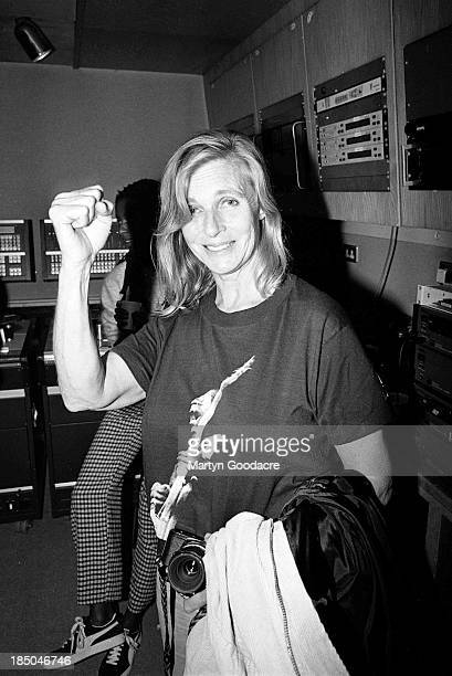 Linda McCartney at Abbey Road studio during the making of the 'The Help Album' recorded for the charity War Child London United Kingdom 4th September...