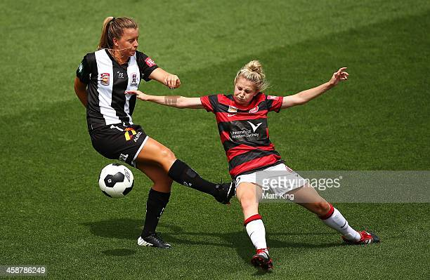 Linda O'Neill of the Wanderers competes with Lauren Brown of the Jets during the round six ALeague match between the Western Sydney Wanderers and the...