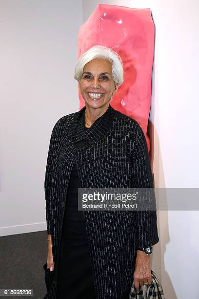 Linda Pinto attends the FIAC 2016 - International Contemporary Art Fair : Press Preview. Held at Le Grand Palais on October 19, 2016 in Paris, France.