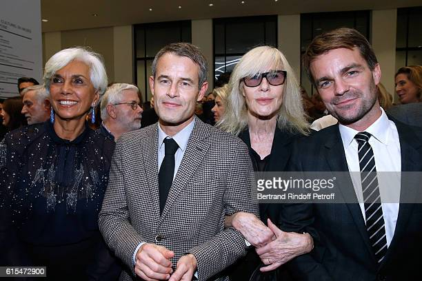 Linda Pinto Philippe Mugnier Betty Catroux and First Deputy Mayor of Paris Bruno Julliard attend the Societe des Amis du Musee d'Art Moderne Dinner...