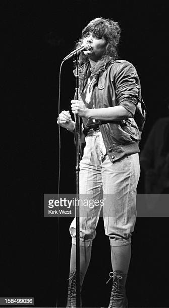 Linda Ronstadt performs at Poplar Creek Hoffman Estates Illinois July 27 1981
