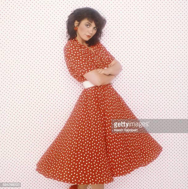 Linda Ronstadt posing for the album cover of Get Closer shot in Los Angeles California
