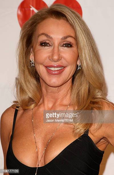 Linda Thompson arrives at the 2008 MusiCares Person of the Year Honors Aretha Franklin at the Los Angeles Convention Center on February 8 2008
