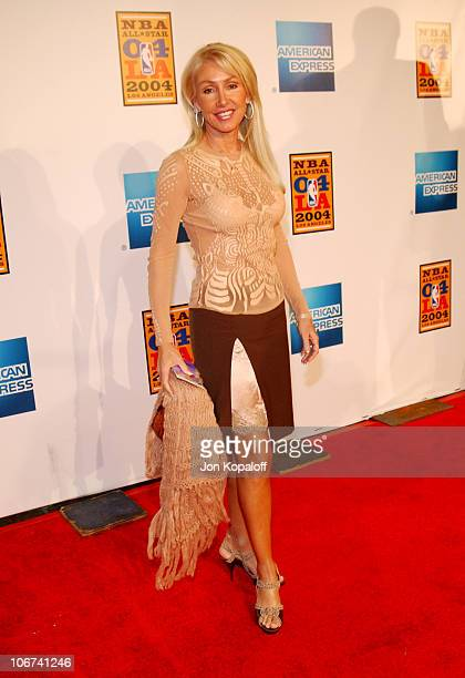 Linda Thompson arriving at the Official TipOff to NBA AllStar 2004 Entertainment American Express Celebrates the Rewarding Life of Earvin Magic...