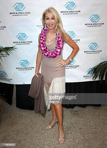 "Linda Thompson attends ""Hang Ten"" Malibu Boys And Girls club anniversary celebration at La Villa Contenta on May 7, 2011 in Malibu, California."