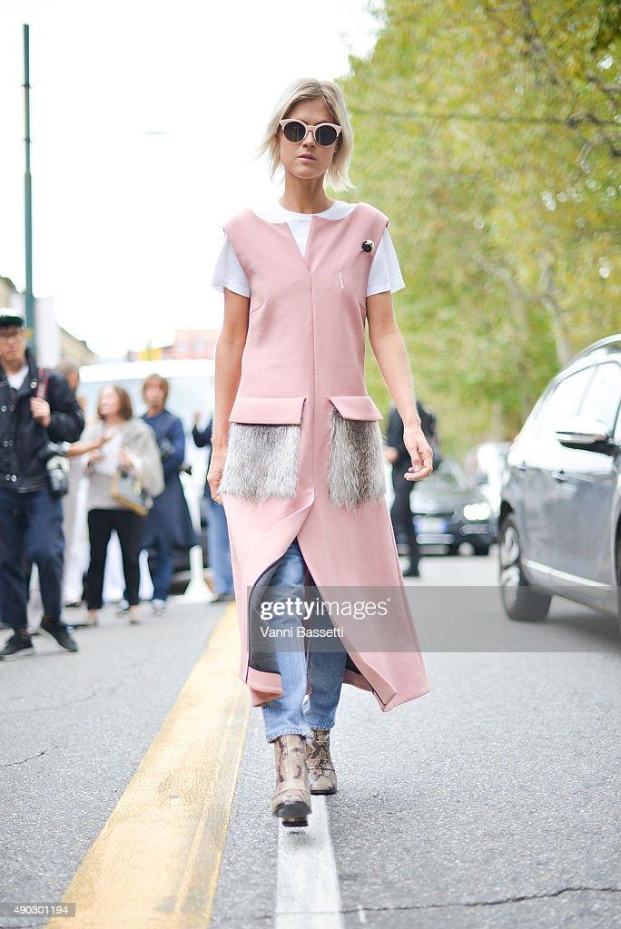Street Style: Day 5 - Milan Fashion Week SS16 : News Photo