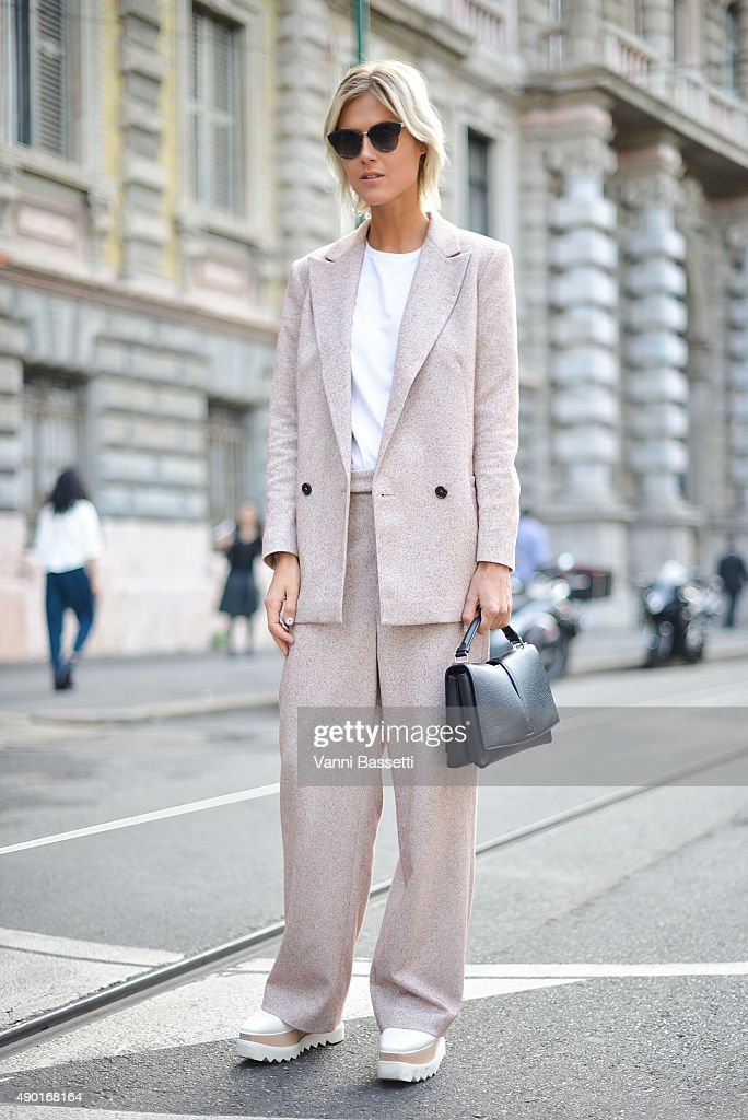 Street Style: Day 4 - Milan Fashion Week SS16 : News Photo