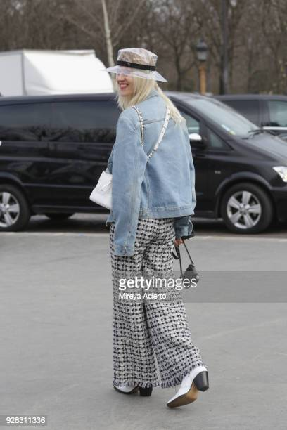 Linda Tol seen wearing Chanel at the Chanel fashion show during Paris Fashion Week Womenswear Fall/Winter 2018/2019 on March 6 2018 in Paris France