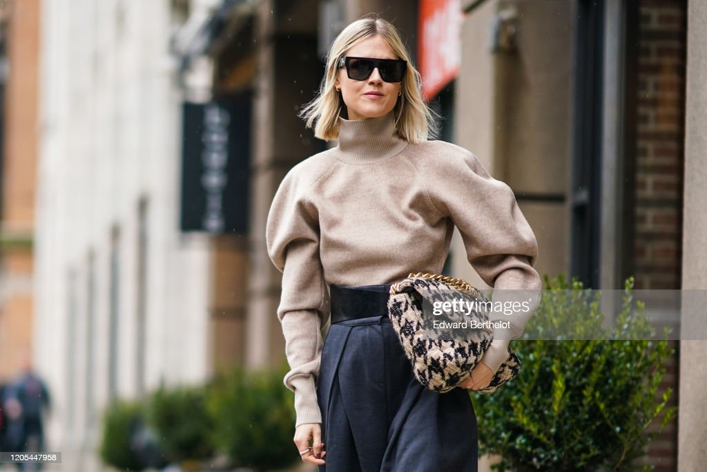 Street Style - Day 5 - New York Fashion Week February 2020 : Photo d'actualité
