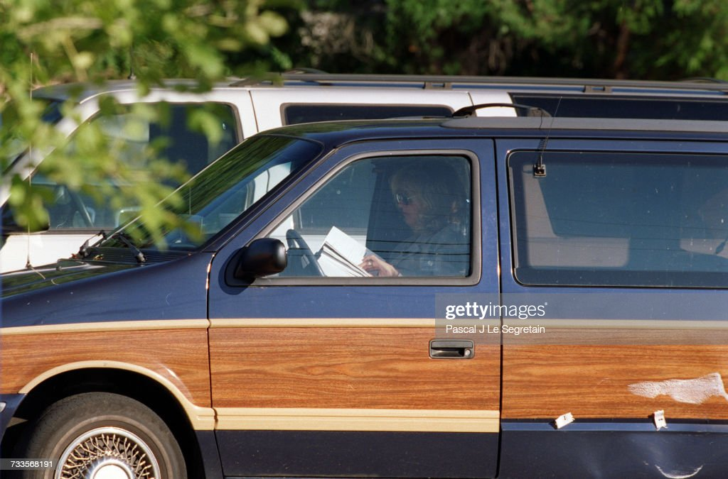 Linda Tripp In Her Car Reading The Starr Report Pictures Getty
