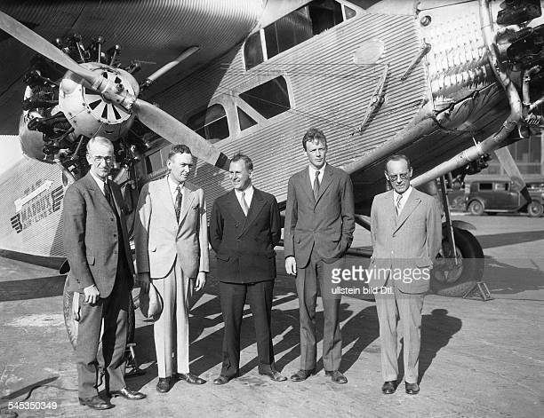 Lindbergh, Charles August *-+Pilot, Flieger, USA- Ausserdienststellung des legendären Ford-Tri-Motor-Flugzeuges, welches den ersten...