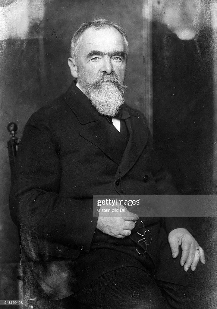 Linde, Carl von *11.06.1842-16.11.1934+ Engineer, industrialist, Germany - portrait - undated (around 1930) - Photographer: Philipp Kester - Vintage property of ullstein bild : Nachrichtenfoto