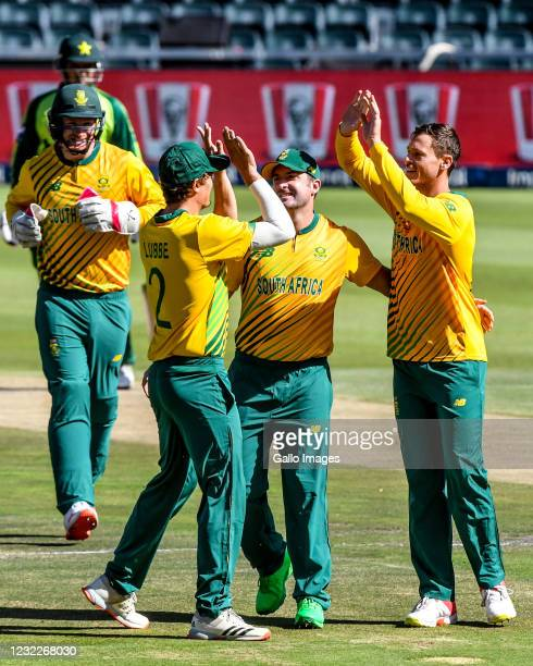 Linde celebrates the dismissal of Muhammad Rizwan of Pakistans dismissal with teammates during the 2nd KFC T20 International match between South...