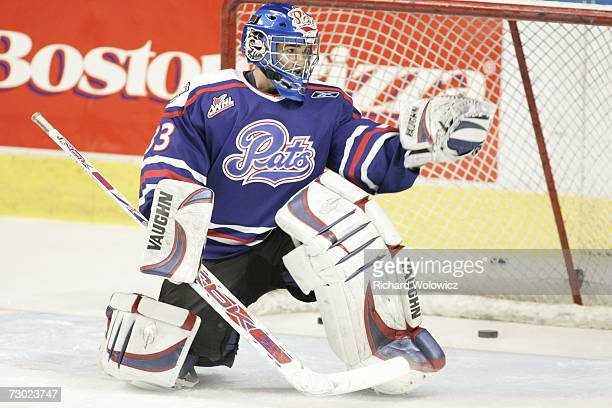 Linden Rowatt of Team BurnsBergeron makes a glove save during the 2007 Home Hardware CHL/NHL Top Prospects Skills Competition at Colisee Pepsi on...