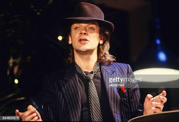 Lindenberg Udo Musician Singer Rock music Pop music Painter Germany performing in Hamburg Germany 1988