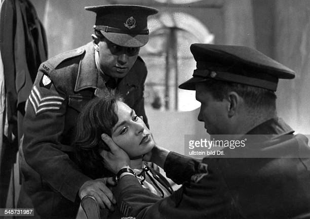 Lindfors Viveca Actress Sweden / USA * Scene from the movie 'Die Vier im Jeep' Directed by Leopold Lindtberg Elizabeth Montagu Switzerland 1951...