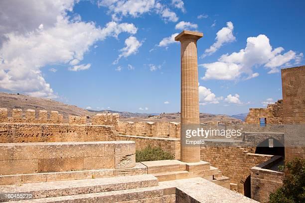 lindos acropolis, rhodes, greece. - antiek toestand stockfoto's en -beelden