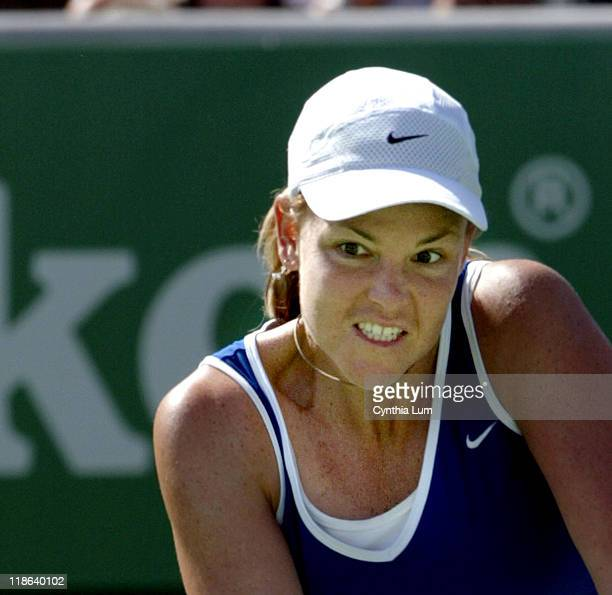 Lindsay Davenport into third round in Australia with a 63 36 60 victory over Emilie Loit
